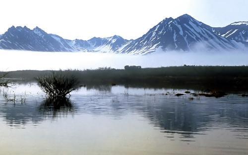 Туманное утро на озере Потат-Гытхын